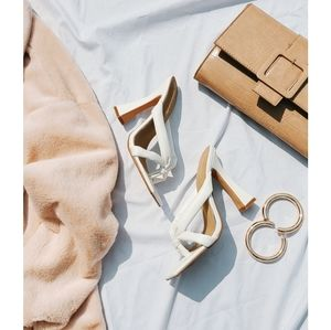 🆕️Living my best life Collection// White heel